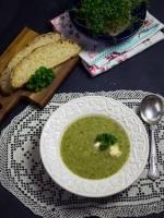Zupa krem z brokułów i sera pleśniowego
