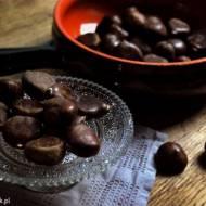 Sernik kasztanowy z figami i karmelem kakaowo-anyżowym