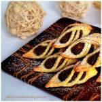 Krucho-drożdżowe rożki z makiem