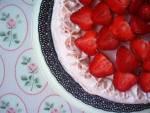 Lekki tort truskawkowy z kremem mascarpone