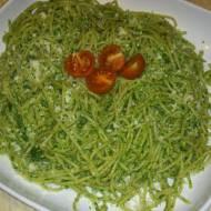Spaghetti pełne ziarno z pesto na nerkowcach.