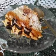 Sernik z orzechami i masa kajmakową