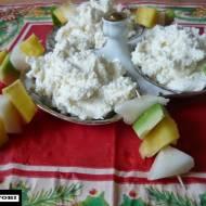 Koreczki owocowe z kremem kokosowym