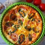 Tarta francuska z łososiem i pomidorami