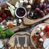 Antipasto - deska serów, wędlin i innych pyszności na jeden kęs