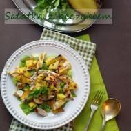 Sałatka z pęczakiem, grillowanym kurczakiem i ananasem z salsą z mango