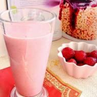 Śniadaniowy koktajl jaglano-truskawkowy