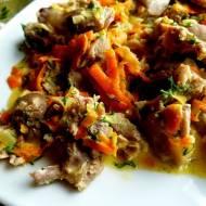 Żołądki w sosie marchewkowo-koperkowym