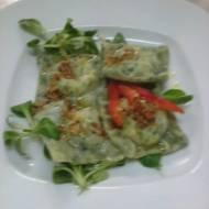 Ravioli ze szpinakiem, serem ricotta i parmezanem