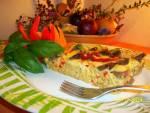 Zapiekanka z makaronem i białą kiełbasą