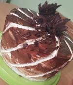 Tort czekoladowy z owocową nutą