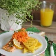 Pieczony łosoś z grillowaną polentą