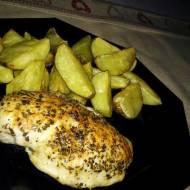 Pierś z kurczaka z serem pleśniowym i suszonymi pomidorami