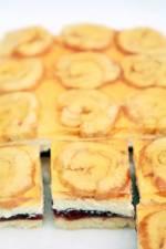 Lekkie Ciasto z Roladkami i Śmietankowym Kremem