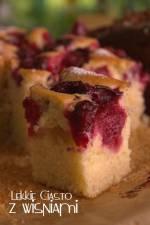 Lekkie ciasto z wiśniami