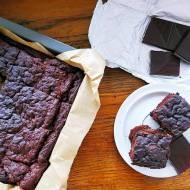 Fasolowe brownie z orzeszkami ziemnymi, czyli kolejna zdrowa rozpusta