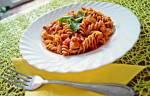 Makaron świderki w sosie pomidorowym a'la Bertoldo