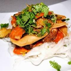 makaron ryżowy z kurczakiem i pietruszką