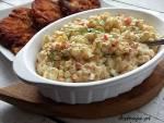 Sałatka jarzynowa z papryką i majonezem (tradycyjna sałatka)