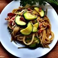 Spaghetti carbonara z cukinią