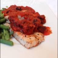 Filety z mintaja w sosie pomidorowym