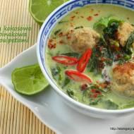Zupa kokosowo -  szpinakowa z pulpetami