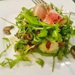 Salatka na cieplo z pieczarkami