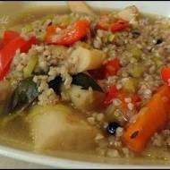 Zupa warzywna z kaszą