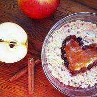 Aromatyczna jaglanka z cynamonem i prażonymi jabłkami
