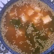 Zupa miso z wakame i tofu