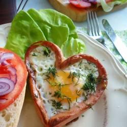 Zakochane jajka w parówce