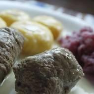 Śląskie rolady wołowe z kluskami i modrą kapustą