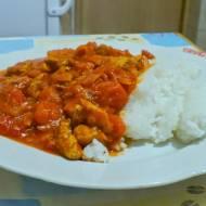 Kurczak w sosie pomidorowym do ryżu