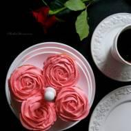 Babeczki - Różyczki z Aksamitnym, Delikatnym  Kremem z Mascarpone