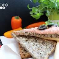Pasta z sera feta i czerwonej papryki - na kanapki
