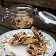 Zdrowe ciasteczka owsiane z suszoną żurawiną. / Healthy  oats cookies with  dried cranberry.