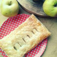 Karmelizowane jabłka we francuskim cieście