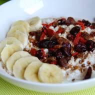 Serek wiejski z owocami, czyli śniadanie FIT