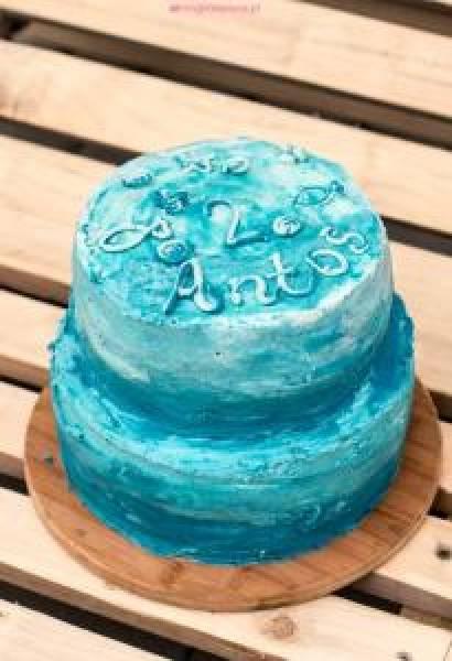 Tort ombre jogurtowo-truskawkowy