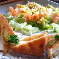Obiad za 10zł - Ser smażony z tatarką, czyli po czesku podane.
