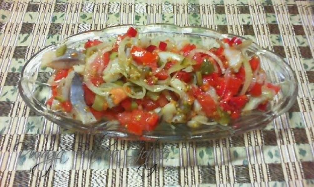 Sałatka Śledziowa z Pomidorami