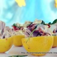 Cytryny faszerowane tuńczykiem.