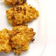 Nuggetsy z piersi kurczaka w płatkach kukurydzianych