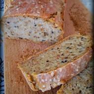 Chleb pszenno- żytni z czarnuszką, kminkiem i słonecznikiem