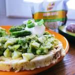 Pasta z jajkiem i awokado oraz słów klika na temat wafli GoodFood