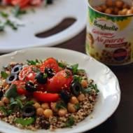 Sałatka z quinoa i cieciorką