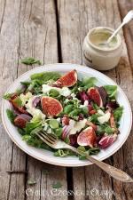 Sałatka z figami, boczkiem i sosem z gorgonzoli