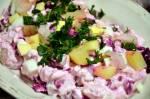 Sałatka śledziowa z burakami, ziemniakami i jajkiem
