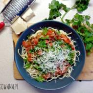 Spaghetti z tuńczykiem i suszonymi pomidorami