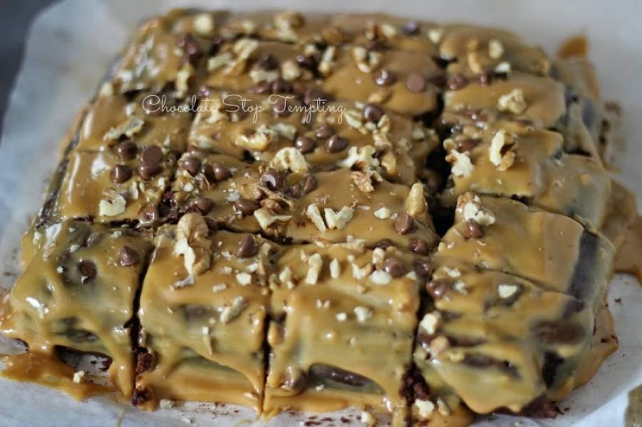 Mocno czekoladowe brownie z kajmakiem :)